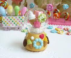 Miniature, dollhouse, snow globe, glass globe, Globe, Glass, Dome, Candy, Gift, Display, donut, Biscuit, Sweets, Candies, Barbie, Blythe, Dal, 1:6, Kawaii, Cute, Pullip, BJD, yosd, Dolls and Miniatures, Miniature, Dollhouse Miniature, Globes, handmade, miniatures, Easter, Christmas, Thanksgiving, Valentine, decorative, macaroon, polymer clay, St Valentine's Day, Wedding, Birthday
