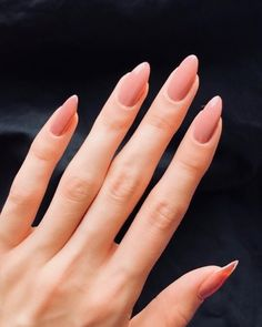 Nail art Christmas - the festive spirit on the nails. Over 70 creative ideas and tutorials - My Nails Pink Oval Nails, Soft Pink Nails, Fancy Nails, Trendy Nails, Cute Nails, My Nails, How To Do Nails, Soft Gel Nails, Shellac Nails