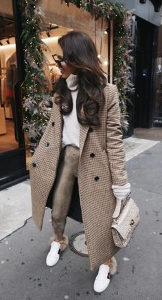 Beige Look From Zara - Fashion Inspo - Mode Zara Fashion, Fashion Mode, Look Fashion, Fashion Trends, Fashion Ideas, Fashion Bloggers, Woman Fashion, Fashion Fashion, Fashion Belts