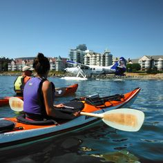 Waiting to cross the harbour. #yyj #ywh #kayaking #harbourairseaplanes #victoriaroyals #innerharbour