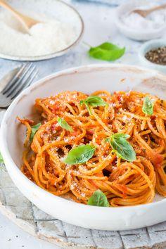 One Pot Spaghetti, One Pot Pasta, Hamburger Meat Recipes, Crockpot Recipes, Healthy Recipes, Thermomix Spaghetti, Kids Meals, Easy Meals, Beef Recipe Instant Pot