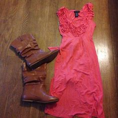 Very cute dress Cute dress. Ties in back Spense Dresses
