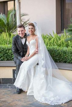 Belle in her very intricate Rene H Couture wedding gown and cathedral veil♡♡