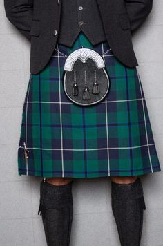 Wed recommend teaming Black Watch tartan with a grey tweed jacket and waistcoat and dark accessories to bring out the navy tones in the kilt. Kilt Wedding, Tartan Wedding, Wedding Suits, Tartan Men, Tartan Kilt, Tweed Jacket, Gray Jacket, Scotland Kilt, Glasgow Scotland