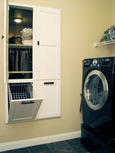 Pass thru from laundry to closet or bedroom! Brilliant!