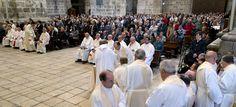 Noticias Curiosas: Dos curas se lían a puñetazos por la rivalidad entre sus parroquias