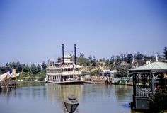 Daily Vintage Disneyland: The Mark Twain  Blog http://mickeyphotosdisneyland.blogspot.com