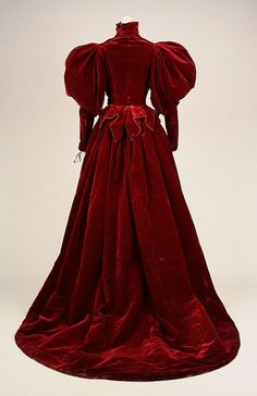 Evening dress Date: 1893–95 Culture: French Medium: silk