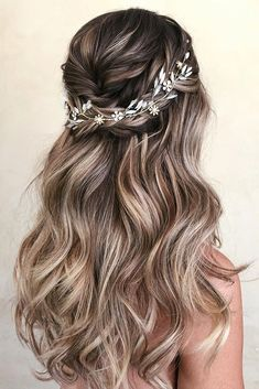 30 Wedding Hair Half Up Ideas Balayage amp; Ombre hair 30 Wedding Hair Half Up Ideas Balayage amp; Ombre hair The post 30 Wedding Hair Half Up Ideas Balayage amp; Ombre hair appeared first on Outdoor Ideas. Bridal Hair Vine, Wedding Hair And Makeup, Hair Makeup, Beach Wedding Hair, Blue Wedding, Wedding Curls, Brown Wedding Hair, Blue Bridal, Romantic Bridal Hair
