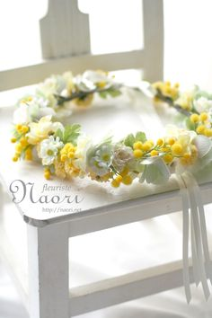 Wedding Flowers Crown Yellow 52 Best Ideas Wedding Favours With A Difference Article Body: Wedding Hair Flowers, Flowers In Hair, Yellow Flowers, Diy Flowers, Wedding Stuff, Wedding Photos, Wedding Dresses, Crown Aesthetic, Princess Aesthetic