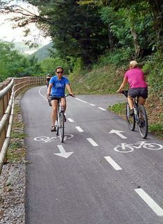 :: The most beautiful cycle paths in Slovenia - Slovenia is increasingly proving itself as a cycling country. We list the most beautiful cycle path - Travel Pictures, Travel Photos, Slovenia Travel, Holiday Travel, Holiday Trip, Beautiful Places In The World, Space Travel, Travel With Kids, Travel Inspiration