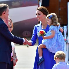 Kate Middleton Photos - Catherine, Duchess of Cambridge and Princess Charlotte of Cambridge arrive at Berlin Tegel Airport during an official visit to Poland and Germany on July 19, 2017 in Berlin, Germany. - The Duke and Duchess of Cambridge Visit Germany - Day 1