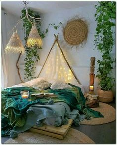Bohemian Style Ideas For Bedroom Decor Design - Hipster Home Decor Hipster Home Decor, Bohemian Bedroom Decor, Boho Decor, Cute Room Decor, Aesthetic Room Decor, Room Ideas Bedroom, Cozy Room, Dream Rooms, My New Room