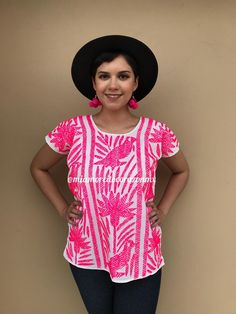 Gorgeous Mexican Huipil, hand-embroidered on the front and back. Fabric: Soft Muslin Neon Pink Fits size Small-Medium (check measurements below) Measurements taken flat: Armpit to armpit Bottom hem width Shoulder to bottom hem 25 Mexican Blouse, Mexican Outfit, Mexican Dresses, Hippie Crochet, Herringbone Stitch, 80s Dress, Mexican Party, Embroidered Blouse, Hippie Boho