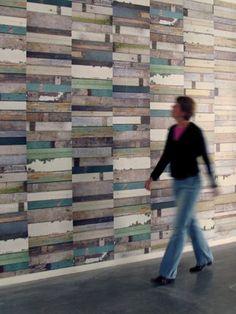 zoiets, als muur in je huis, zonder de blauwe kleuren, meer houtkleur #leenbakker