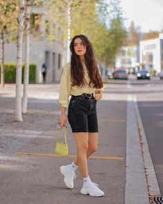 Stylish Summer Outfits, Girly Outfits, Casual Outfits, Fashion Outfits, Short Girl Fashion, Teen Girl Fashion, Celebrity Outfits, Everyday Outfits, Sunshine