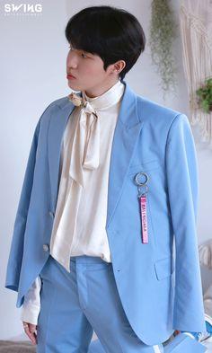 Jaehwan Wanna One, Kim Jaehwan, Rain Jacket, Windbreaker, Jackets, Fashion, Down Jackets, Moda, Fashion Styles
