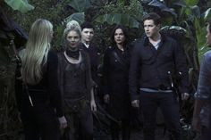 Still of Ginnifer Goodwin, Rose McIver, Jennifer Morrison, Lana Parrilla and Josh Dallas in Имало едно време (2011)