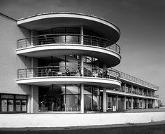 De La Warr Pavilion by Chermayeff & Mendelsohn, epitome of 30's optimism