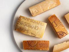 Parmesan Rind, Parmigiano Reggiano, Beignets, Stew, Food To Make, Sauces, Chili, Foods