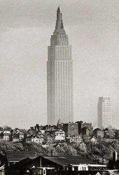 Chlloe.com - Images That Show The Way The World Used To Be Old Pictures, Old Photos, Empire State Building, Photo New York, Photos Rares, Rare Historical Photos, Union City, Vintage New York, Blue Ridge Mountains