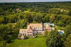 "Dandridge Sterne on Instagram: ""Who's moving to Pittsburgh with me?! This 11,500 sq ft, 42 acre estate is for sale in Sewickley. #oldhouselove #georgian #georgianrevival…"" Georgian, Pittsburgh, Acre, Houses, Mansions, Architecture, Instagram, Stars, Homes"