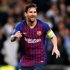 Happy Birthday to the greatest player to ever play football, Messi turned 32 tod. Lionel Messi Wife, Lionel Messi Biography, Fc Barcelona, Youth Football, College Football, Lionel Messi Instagram, Real Madrid Manager, Fernando Torres, Juan Mata