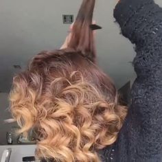 Wunderschöne Frisuren - Wunderschöne Frisuren Von: Sarah Angius La mejor imagen sobre diy furniture para tu gusto Estás b - Easy Hairstyles For Long Hair, Braided Hairstyles, Gorgeous Hairstyles, Permed Hairstyles, Curly Hair Styles, Natural Hair Styles, Hair Upstyles, Grunge Hair, Hair Videos