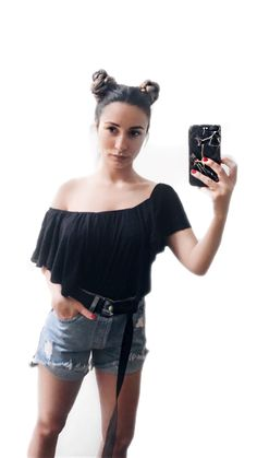 Find my belt and my iPhone case @kisterss_shop 😍  #kisterss #kisterss_shop