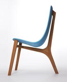 Le designer et ébéniste français Paul Venaille nous présente cette magnifique réalisation, la chaise Baby Blue. Cette chaise a été présentée...