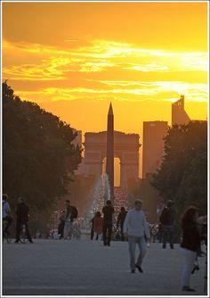 Sunset in Paris (Arc de Triomphe, Champs-Élysées & Obelisk seen from Place de la Condorde)