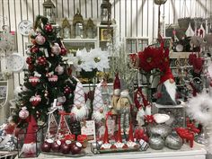 Joulupuu on rakennettu ❤️ #joulu #joulukuusi #joululahjat #tiitunpuoti