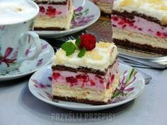 Rafaello z malinową pianką Fancy Cakes, Delicious Desserts, Raspberry, Cheesecake, Deserts, Food And Drink, Sweets, Chocolate, Cooking