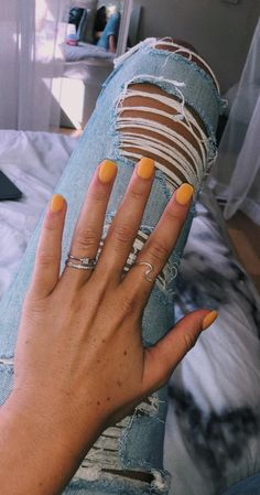 nails - Jewelry Care Jewelry is no longer known as a woman's closest friend, it is also very luring to the guys! Since the ages, fine jewelry has been used to accessorize oneself Nonetheless, modern day jewelry has turned into a fashion statement for bo Cute Nails, Pretty Nails, Hair And Nails, My Nails, Nail Ring, Mellow Yellow, Nail Inspo, Short Nails, Nails Inspiration