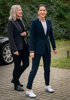 Beauty And Fashion, Fashion Looks, Royal Fashion, Style Fashion, Helsingor, Queen Margrethe Ii, Queen Rania, Hugo Boss, Prince Frederick