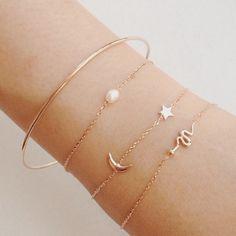 Bracelet lune étoile #collier #bracelet #bague #bijou #necklace #jewellery #bijouxcreateur #bracelet2016  http://bijouxcreateurenligne.fr/product-category/bracelet-fantaisie/