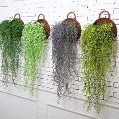 Hanging Plants Outdoor, Outdoor Garden Decor, Outdoor Wall Planters, Hanging Succulents, Hanging Flowers, Diy Garden Decor, Outdoor Walls, Air Plants, Indoor Plants