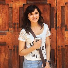 Singer Shirley Setia Fan Page with Photo Gallery with Daily Updated Photos of Shirley Setia