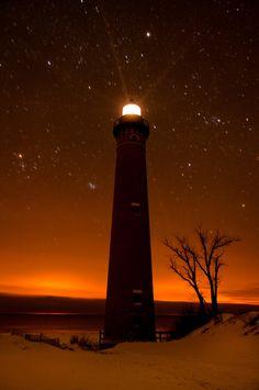 llbwwb: #Lighthouse on a Starry Night (by Neil Weaver) - http://dennisharper.lnf.com/