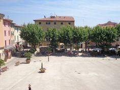 Piazza in Casciana T. - hier stopt die Mille Miglia