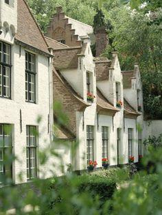 Beguine Houses, Begijnhof (Beguinage), Bruges (Brugge), Belgium, Europe