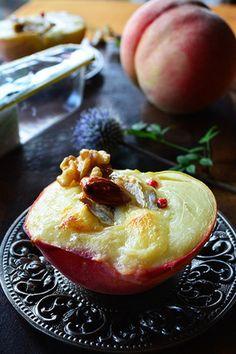残念桃が極上の美味しさに変身 焼き桃ブリー! 詰めてトースターで焼くだけ超簡単なお洒落タパス|レシピブログ