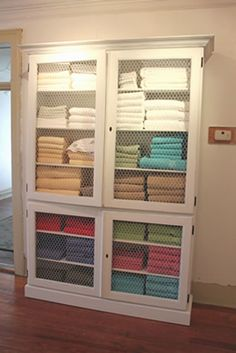 Stuff the towels - use it for yarn storage! Quilt Storage, Blanket Storage, Yarn Storage, Towel Storage, Linen Storage, Sheet Storage, Fabric Storage, Craft Storage, Massage Therapy Rooms