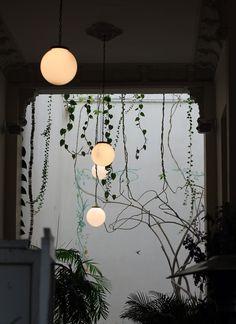 Boules lumineuses pendues