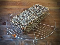 paine din seminte si orz (multigrain) 1 Act Like A Lady, Multigrain, Cooking Recipes, Healthy Recipes, Raw Vegan, I Foods, Deserts, Food And Drink, Bread