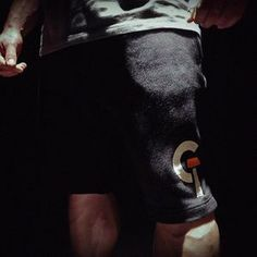 In order for the light to shine so brightly, ther darkness must be present. ▶️ @g.tec Release Freitag 18.12 - © Your Natural Coach & Pro danielgildner.com/gtec #gtec #engineeredforthegym #fitnesswear #release