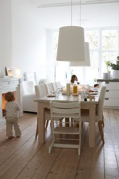 white-modern-dining-room with pendants above table (IKEA family life) Lights Over Dining Table, Interior Exterior, Interior Design, Modern Interior, Interior Decorating, Decorating Ideas, Dining Area Design, Sweet Home, Ikea Family