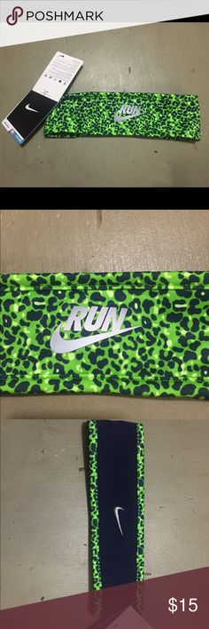 NWT NIKE REVERSIBLE HEADBAND Reversible Nike headband. One side is fleece! Perfect for fall and winter activities! It's green and navy. Retail is $18!  BUY NOW OR GET FOR FREE WITH ANY $100 PURCHASE!      Price is at its lowest. Nike Accessories Hair Accessories