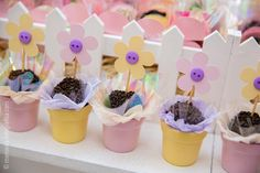 Truffles in flower pot Garden Birthday, Mum Birthday, 4th Birthday Parties, Flower Bird, Flower Pots, Diy And Crafts, Crafts For Kids, Dessert Table Backdrop, Butterfly Party