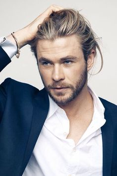 Chris hemsworth. @Candice Herr this is who needs to play Gideon!